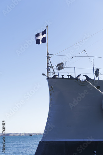 Keuken foto achterwand Schip Thessaloniki, Greece Greek warship Averof moored at port with Greek flag waving. Launched in 1910, G. Averof is a modified armored cruiser into a battleship, moored for October 2017 at city port.