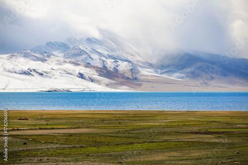 Poster Wit Tsomoriri Lake is a very beautiful lake and landscape, Jammu and Kashmir, India