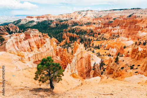 Papiers peints Orange eclat panoramic views to bryce canyon hoodoos, utah