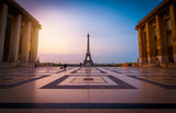 Early Morning in Paris - 176297424