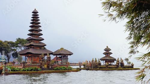 Spoed canvasdoek 2cm dik Bali Pura Ulun Danu Beratan water temple on Bali, Indonesia