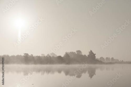 Tuinposter Wit morning fog