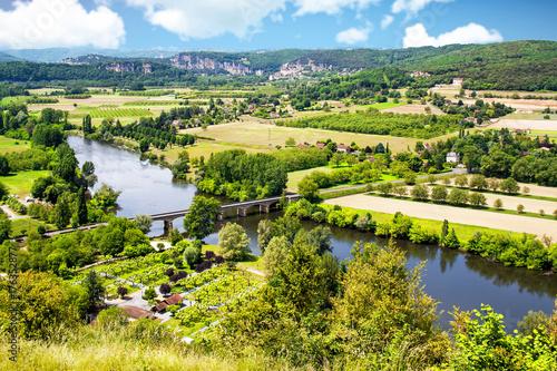 Fotobehang Pistache Domme. La Dordogne vue depuis le belvédère. Dordogne. Nouvelle Aquitaine