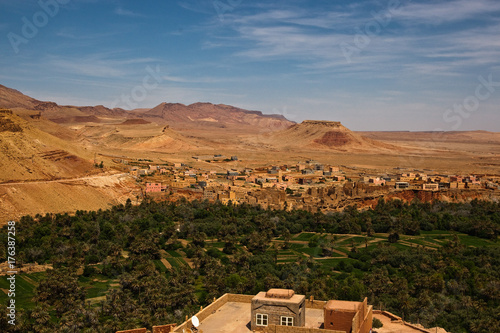 Fotobehang Marokko Moroccan panorama with typical colors and scenery in Ouarzazate province