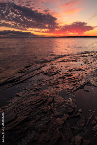 Keuken foto achterwand Ochtendgloren Lake Superior Sunrise at Porcupine Mountains Shoreline