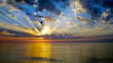 Sonnenuntergang im August - 176404647