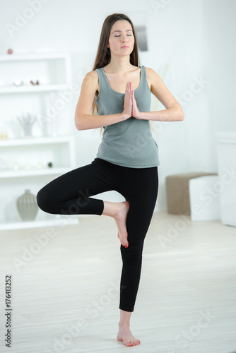 Aluminium School de yoga standing yoga position