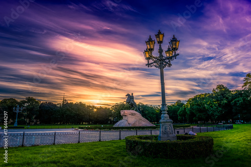 Poster Snoeien Landscape of St. Petersburg at dawn with dramatic sky