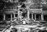 Banter Kdei Temple in black & white