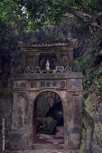 Aluminium Boeddha The Buddha statue around Marble Mountains of Danang, Vietnam