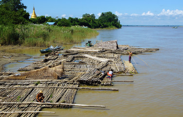 radeau de bambou