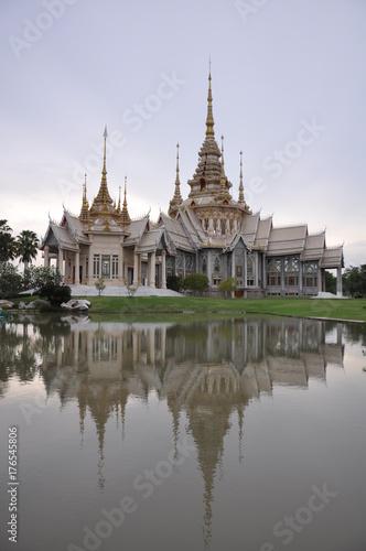 Fotobehang Thailand Wat Luang Phor Toh