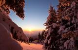 Sonnenuntergang im Winter - 176553431