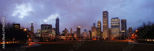 Aluminium Chicago Night Chicago skyline from Millennium Park