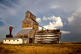 Grain Elevator Saskatchewan - 176786605