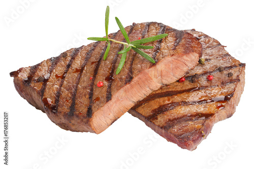 Papiers peints Steakhouse juicy beef steaks isolated on white