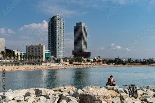 Barcellona, panorama dalla spiaggia Poster