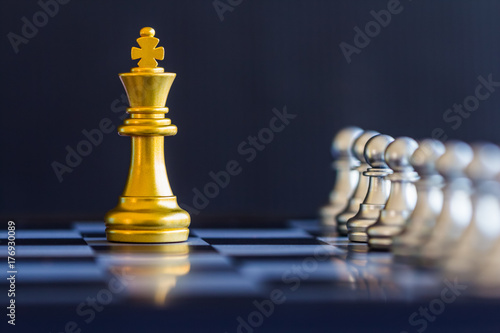 Plakat Strategy chess battle Intelligence challenge game on chessboard