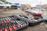 ボートメンテナンス風景と工具 - 176991601