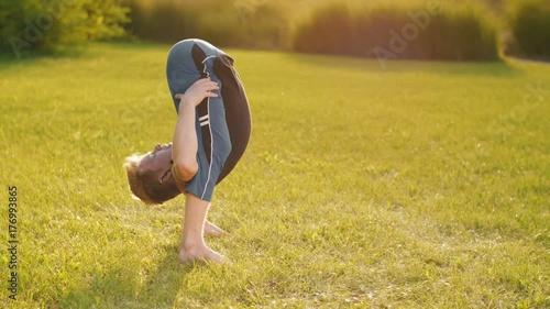 Plakat Flexible Man do Yoga