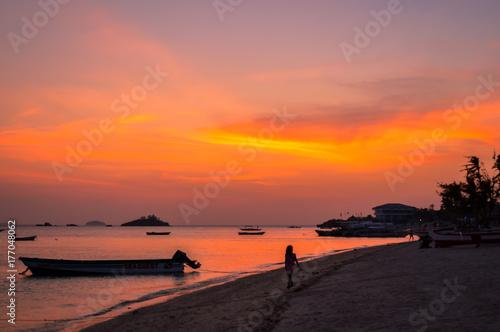 Fotobehang Koraal A simply stunning sunset over Malapascua Island, Cebu, Philippines