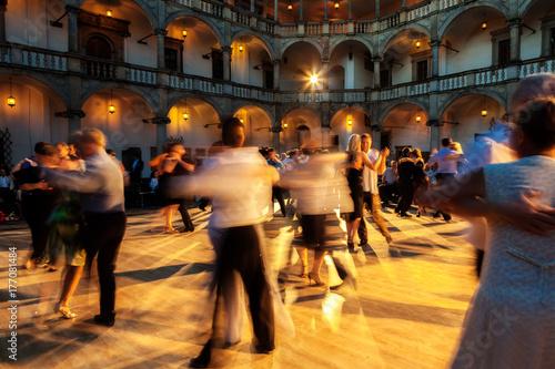 Fototapeta Tango by evening 04