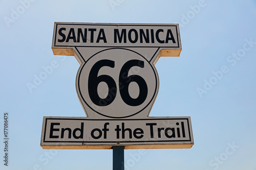 Papiers peints Route 66 Historic Route 66 Signpost in Santa Monica. California. USA