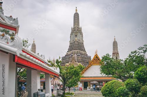 Tourists visit to Temple of Dawn, Wat Arun, Bangkok, Thailand Poster