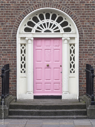 GEORGIAN DOOR - DUBLIN, IRLANDIA