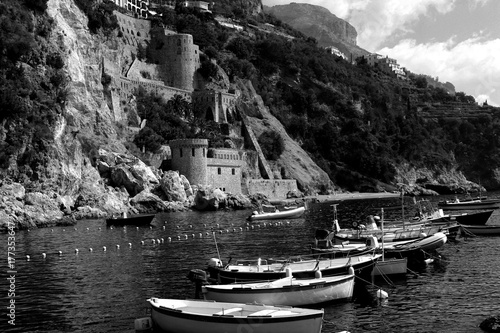 Papiers peints Gris traffic Black and White Conca dei Marini Landscape in Amalfi Coast - Italy