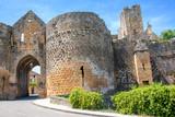 Domme. La porte des tours. Dordogne. Nouvelle Aquitaine - 177394889