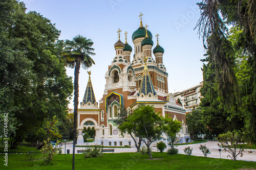 Fotobehang Nice The St Nicholas Russian Orthodox Cathedral, an Eastern Orthodox cathedral located in the city of Nice.It is the largest Eastern Orthodox cathedral in Western Europe and a National Monument in France