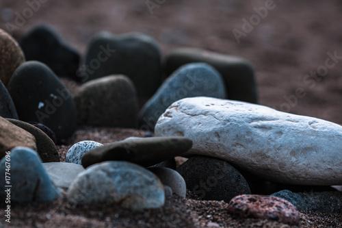 Foto op Aluminium Stenen in het Zand stones in the sand
