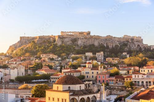 Papiers peints Athenes Athens, Greece. Acropolis rock and Monastiraki square early in the morning