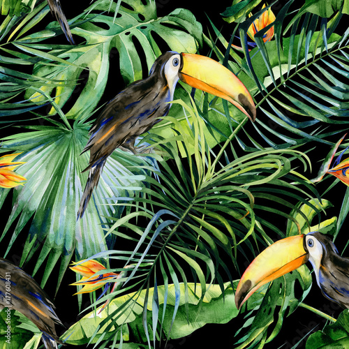 Seamless watercolor illustration of toucan bird. Ramphastos. Tropical leaves, dense jungle. Strelitzia reginae flower. Hand painted. Pattern with tropic summertime motif. Coconut palm leaves.  - 177608431