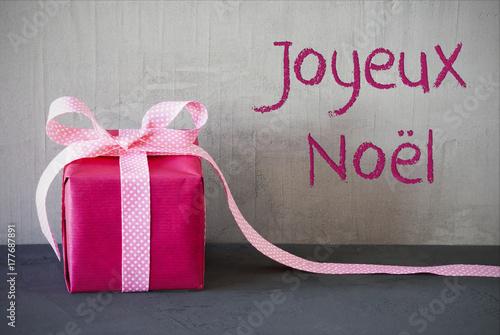 Papiers peints Kiev Pink Present, Joyeux Noel Means Merry Christmas