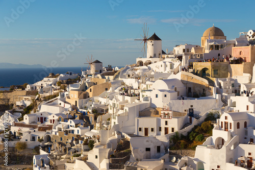 Foto op Plexiglas Santorini World famous Oia village or Ia at sunset, Santorini island, Greece.