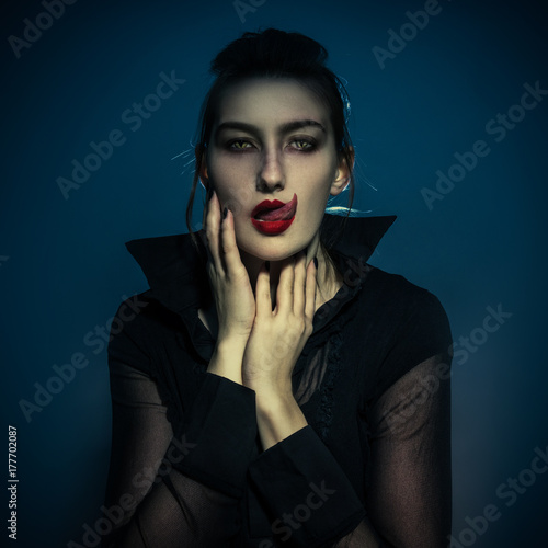 Poster Vampire Mystery Halloween Witch female character