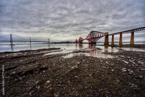 Fotobehang Donkergrijs Ponte ferroviario in scozia