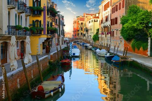 Foto op Plexiglas Venetie Venetian water canal Italy