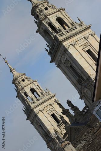 Monumentos que sobresalen como torres en Lugo