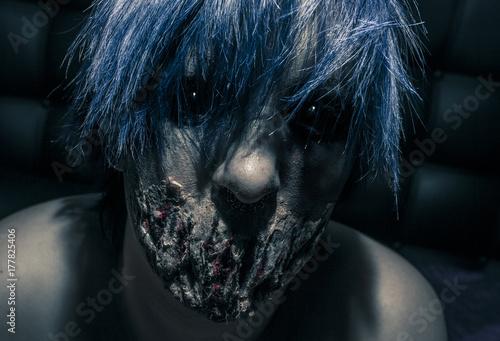 Poster Halloween - Creepy female demon