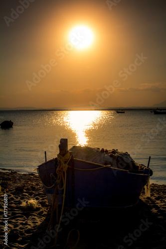 Foto op Canvas Zee zonsondergang coucher de soleil