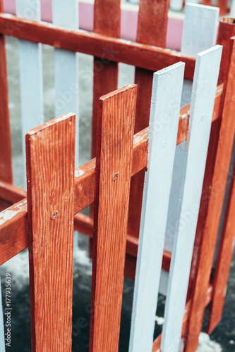 Papiers peints Brique Wood fence Colorful red and white