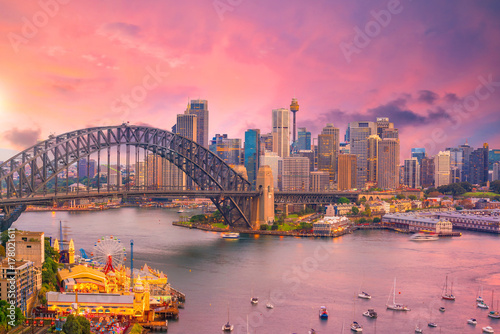 Papiers peints Rose banbon Downtown Sydney skyline