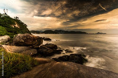 Foto op Plexiglas Chocoladebruin cloudy morning on the beach