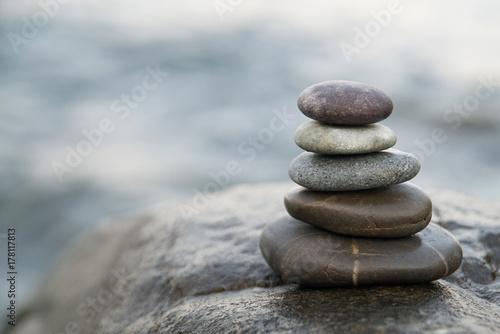 In de dag Zen Zen stones. Peace buddhism meditation symbol