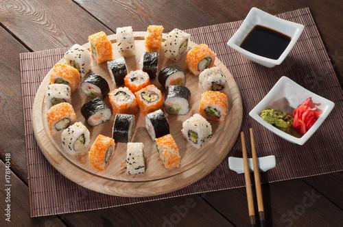 Papiers peints Sushi bar Sushi on a wooden board