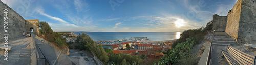 Deurstickers Toscane Castiglione della Pescaia, panorama a 360° dalla fortezza