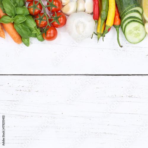 Poster Gemüse Sammlung Tomaten Karotten kochen Zutaten Textfreiraum Quadrat von oben